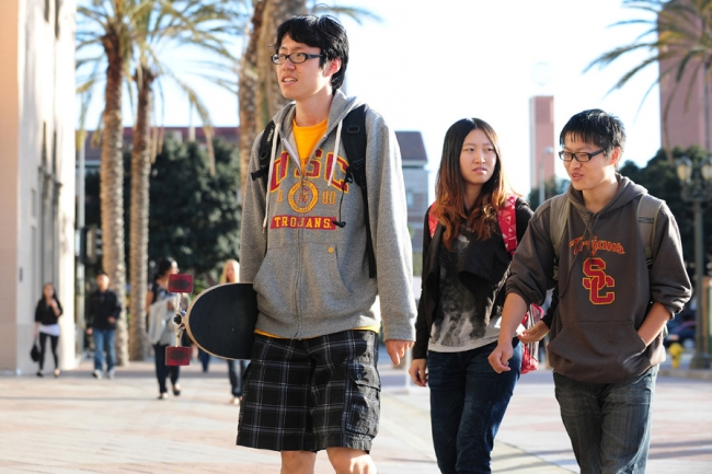 Many foreign students find themselves friendless in the us the as the number of foreign students on american college campuses grows a new survey has found that many have few close american friends ccuart Images