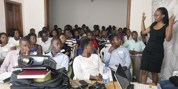 Rwandan Degree Program Aims for a 'University in a Box' 1