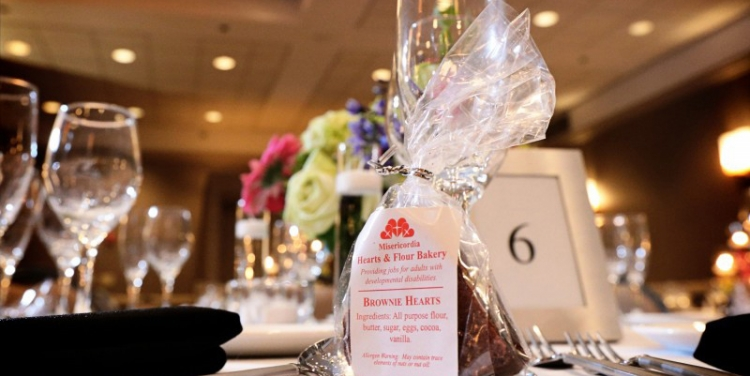 A Charitable Twist on Wedding Gifts and Favors