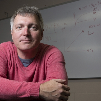 Prominent 'Science of Philanthropy' Researcher to Split Time Between IU's Lilly School and U. of Chicago