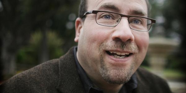 Gifts Roundup: Craigslist Founder Backs Journalism-Ethics ...